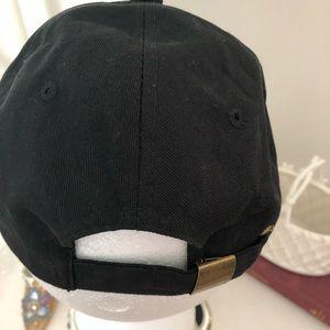 Accessories - Black baseball cap